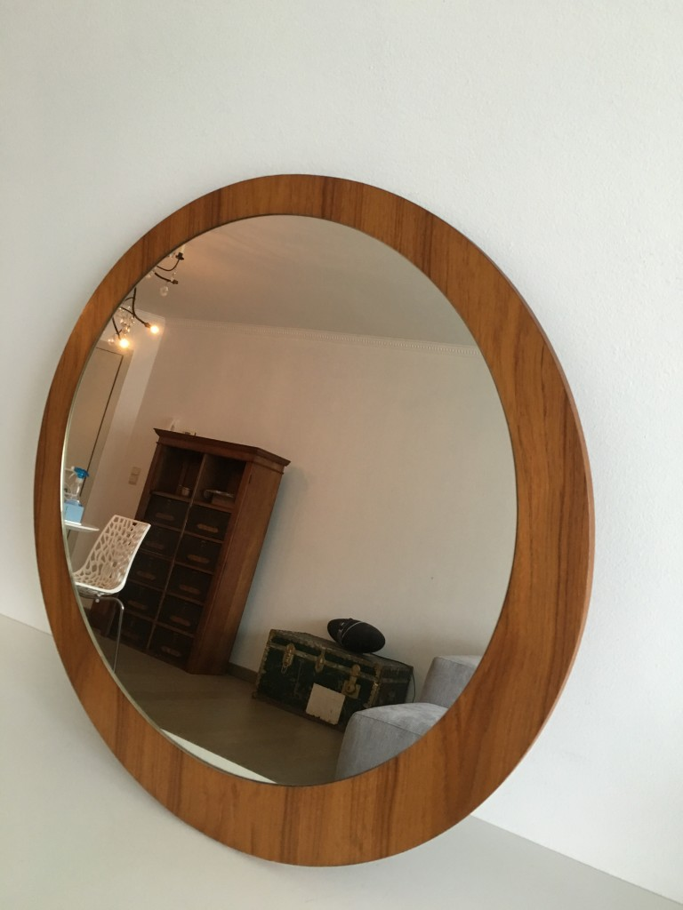 vintage wooden mirror. Black Bedroom Furniture Sets. Home Design Ideas