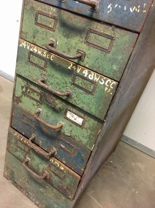 Vintage industriële ladekast