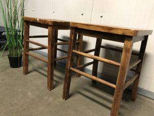 Retro set van 2 houten krukken